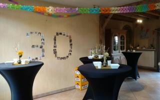 Partytafels met zwarte stretchhoezen huren voor verjaarsdagsfeest